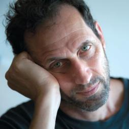 In conversation with Moshe Rosenzveig